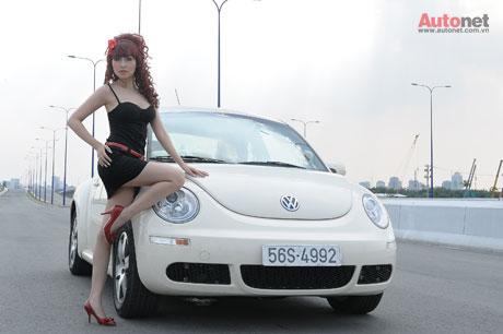 """Minh Thư – Yêu thích sự nhỏ gọn và thời trang của """"con bọ"""" Volkswagen New Beetle"""